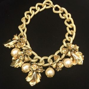 Jewelry - gold vintage necklace with big flower and pearls